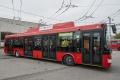 Pri zrážke trolejbusu a osobného auta sa zranili dve deti