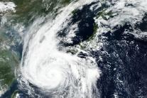 Tajfún útočí