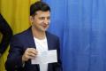 Zelenskyj zapózoval s označeným hlasovacím lístkom, dostal pokutu