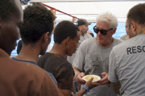 Richard Gere na lodi s imigrantami