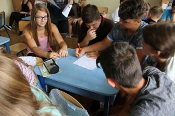 Stredoškoláci vnímajú spoločnosť kriticky,zvažujú odchod do zahraničia