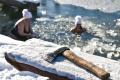 Vindšachtské jazero patrí v zime aj Piargským ľadovým medveďom