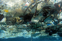 Stredozemné more sa plní plastom, môžu za to aj dovolenkári