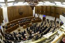 PRIESKUM: Parlamentné voľby by vyhral Smer-SD, druhá by skončila SNS