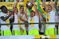 Žilina dvíhala majstrovský pohár, do Európskej ligy sa pozrie Trenčín