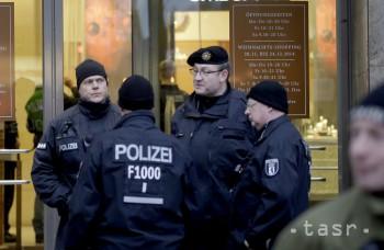 Berlínski policajti viac nemusia skrývať tetovania