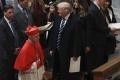 Trump začal prvý pracovný deň modlitbou vo washingtonskej katedrále