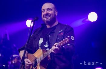 Na vianočnom koncerte IMT Smile si s Táslerom zaspieva aj raper Kali