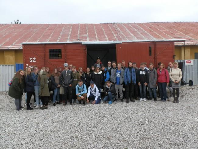 c19f69c17c00 Študenti Via Humana v Múzeu holokaustu - Stredné školy ...