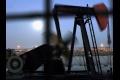 Ceny ropy mierne klesli