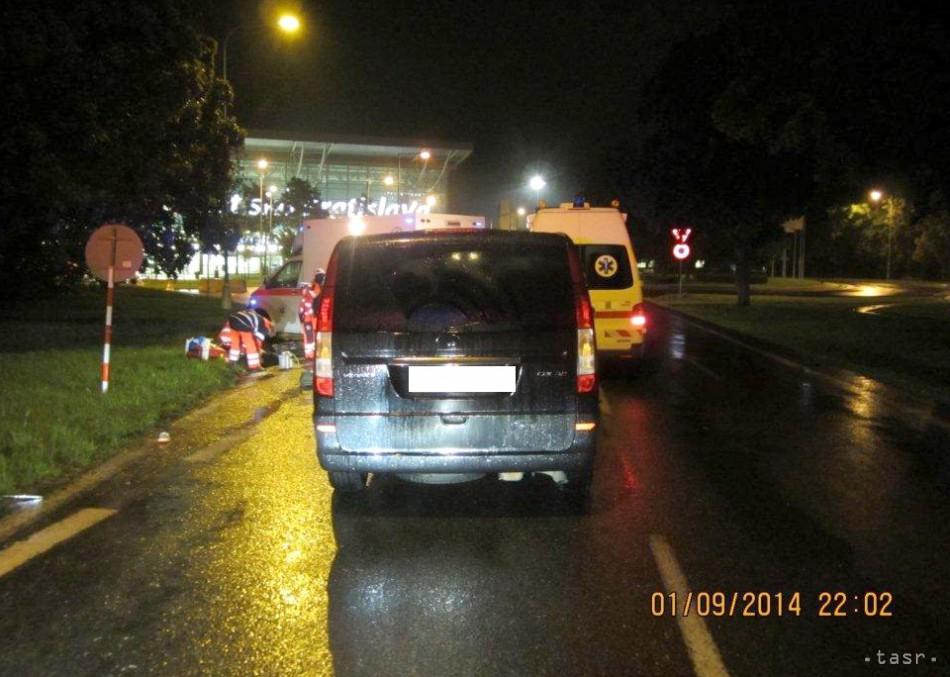 Auto zrazilo chodca neďaleko bratislavského letiska
