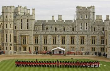 Pred 20 rokmi zachvátil britský kráľovský zámok vo Windsore požiar