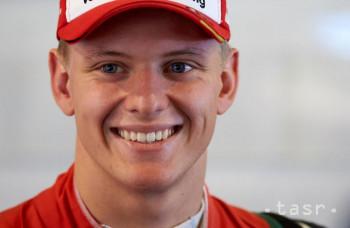 Mick Schumacher ide v otcových šlapajách, už je vo Ferrari