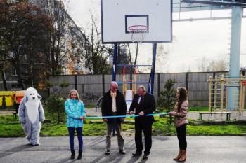 Mesto Žilina zrekonštruovalo basketbalové ihrisko pri ZŠ Jarná