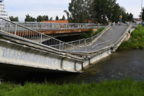 V Spišskej Novej Vsi sa prepadol most