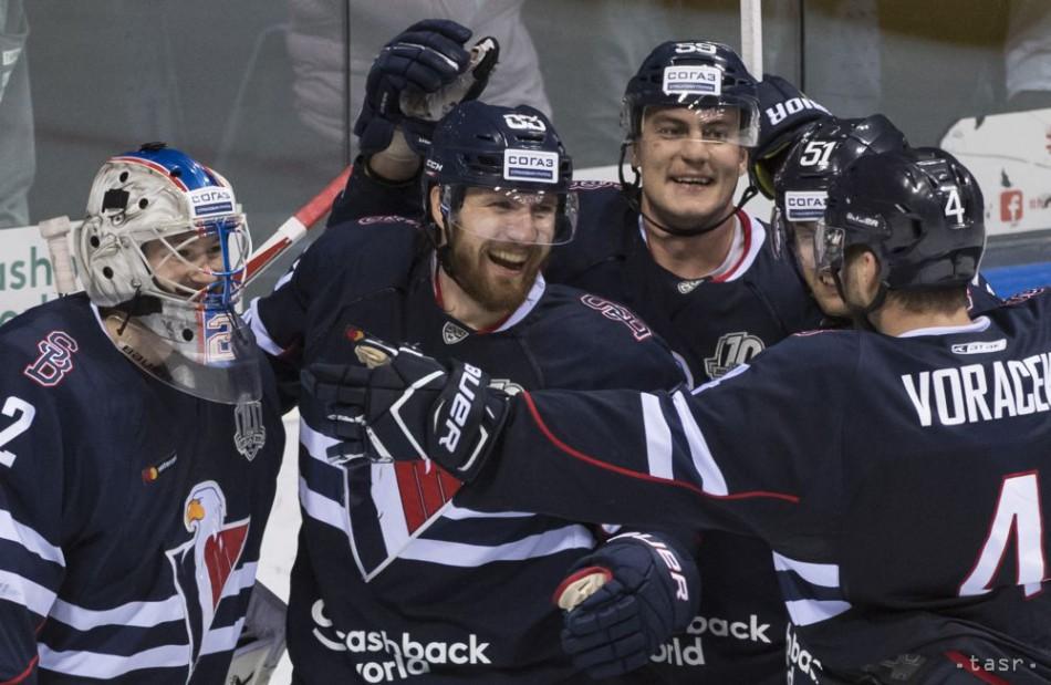 92859d84e21f5 Hokejisti Slovana zaskočili Dinamo Moskva, zdolali ho o dva góly
