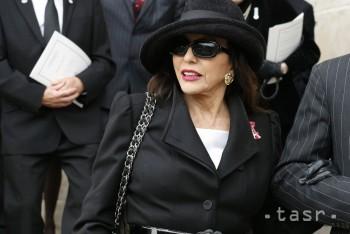 Anglická herečka Joan Collinsová bude mať osemdesiat