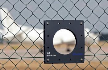 Letisko v Bratislave má novinku: Dieru v plote pre fotografov