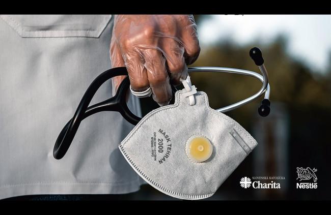 Zamestnanci Nestlé pomôžu miestnym zariadeniam pre seniorov