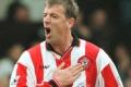 Le Tissier tvrdí,že ho sexuálne obťažoval ex-kouč Southamptonu Higgins