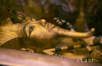V Káhire objavili obrovskú sochu faraóna