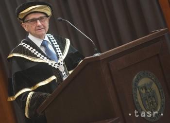 Inaugurácia profesora Sterna na Paneurópskej vysokej škole