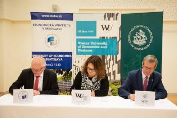 Podpis trilaterálnej spolupráce s univerzitami vo Viedni a Varšave