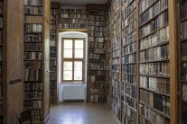 Knihy až po strop