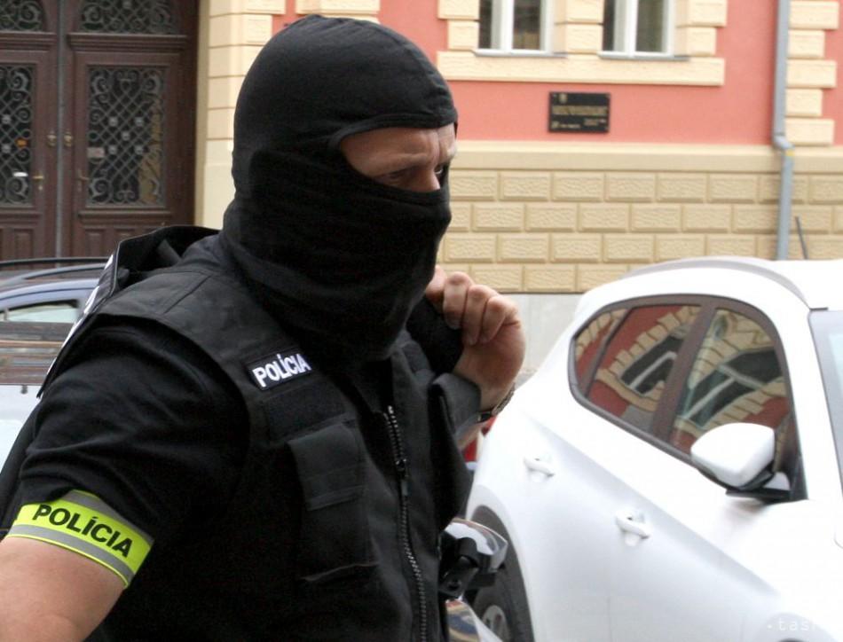 V okrese Dunajská Streda zasahovalo pre extrémizmus 150 policajtov 255aedc9c61