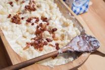 bryndzové halušky jedlo bryndza slanina tradícia