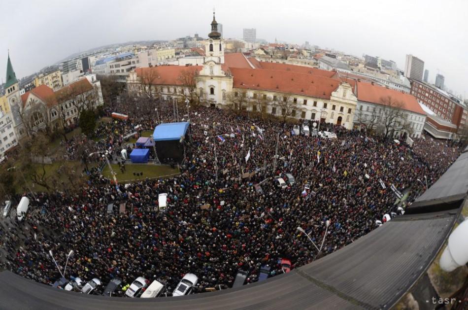 1d23faf73 Na zhromaždení Za slušné Slovensko opäť žiadali odchod šéfa polície