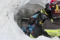 VIDEO: ZÁZRAK:V hoteli zasypanom lavínou našli 8 živých vrátane 2 detí