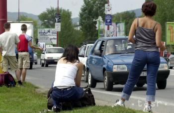 Českí susedia zahájili majstrovstvá v autostope, na Gibraltár a späť