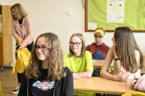 Študenti v triede Strednej priemyselnej školy stav