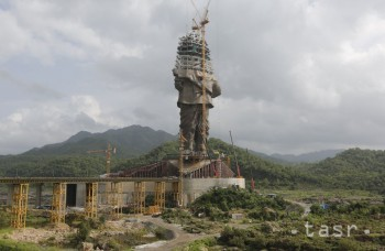 V indickom štáte Gudžarát dokončujú najvyššiu sochu na svete