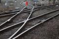 Muž, ktorý vbehol pod vlak vo Veľkých Levároch, bol od Malaciek