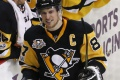 VIDEO: Crosby takmer usekol Methotovi kus prstu, rozhodcovia mlčali
