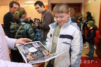 V rámci projektu Otvor srdce, daruj knihu dnes obdarovali 211 detí