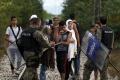 Na západobalkánskej migračnej trase pozatýkali viac ako 600 ľudí