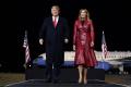 Donald a Melania Trumpovci sú už zaočkovaní proti koronavírusu
