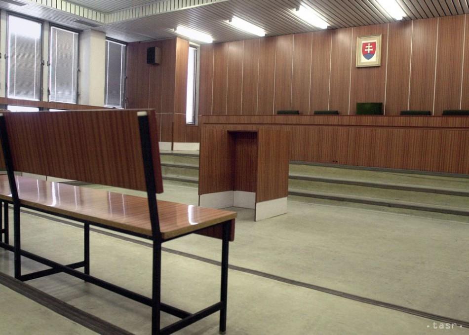 Súd s nominantmi SDKÚ v kauze platinových sitiek bude pokračovať