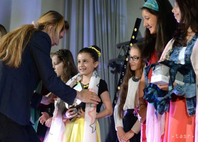 Detskí speváci sa môžu prihlásiť do súťaže Hviezdička - 24hod.sk 2e55b07aa23