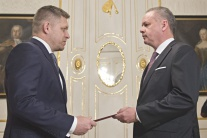 PRIESKUM: Najdôveryhodnejší politik je A.Kiska,pred R.Ficom a A.Dankom