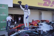 Valtteri Bottas oslavuje víťazstvo