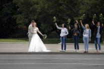 Novomanželia na proteste
