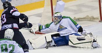 Hráčmi týždňa KHL sú Svedberg, Kivisto a Ellison