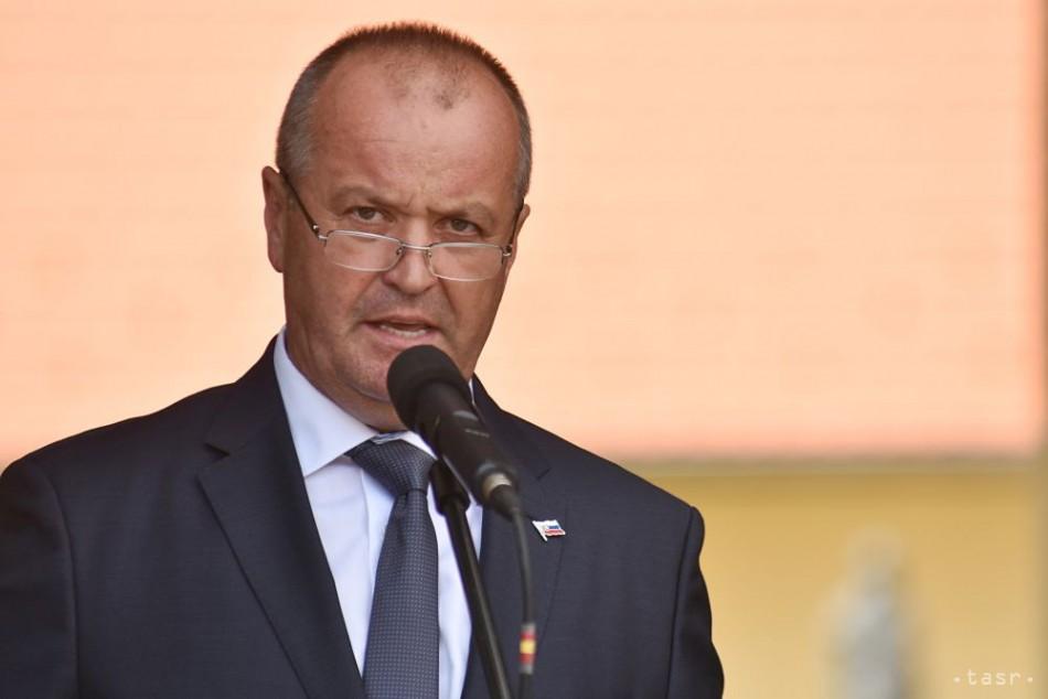 ebb137e90 Minister obrany Gajdoš si pripomenul 73. výročie vypálenia obce Skýcov