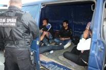 V Terchovej zadržala polícia plnú dodávku migrantov