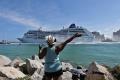 Po desaťročiach vyplávala z prístavu v USA prvá výletná loď na Kubu