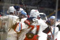 Na snímke gólová radosť hokejistov Zvolena
